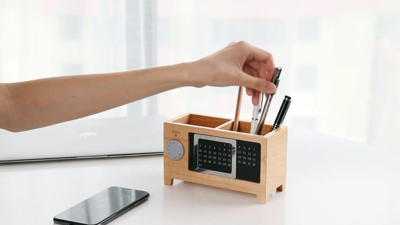 VL-PH01 Wooden Pen Holder with Calendar